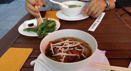 Баварский вьетнамский обед