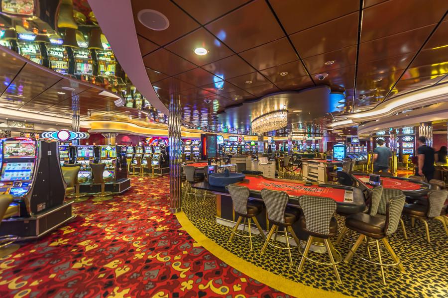 32. Четвертый этаж — казино и ночные клубы. Азартные заведения открываются только тогда, когда