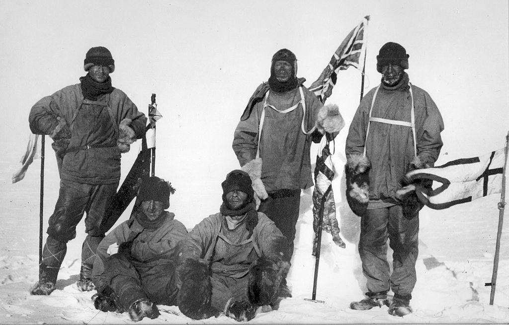 3. Команда британской экспедиции «Терра Нова» на Южном полюсе 18 января 1912 года С самого начала в