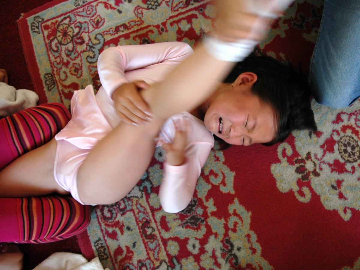 Монгольская акробатика требует практически нечеловеческого уровня гибкости, выходящей за рамки класс