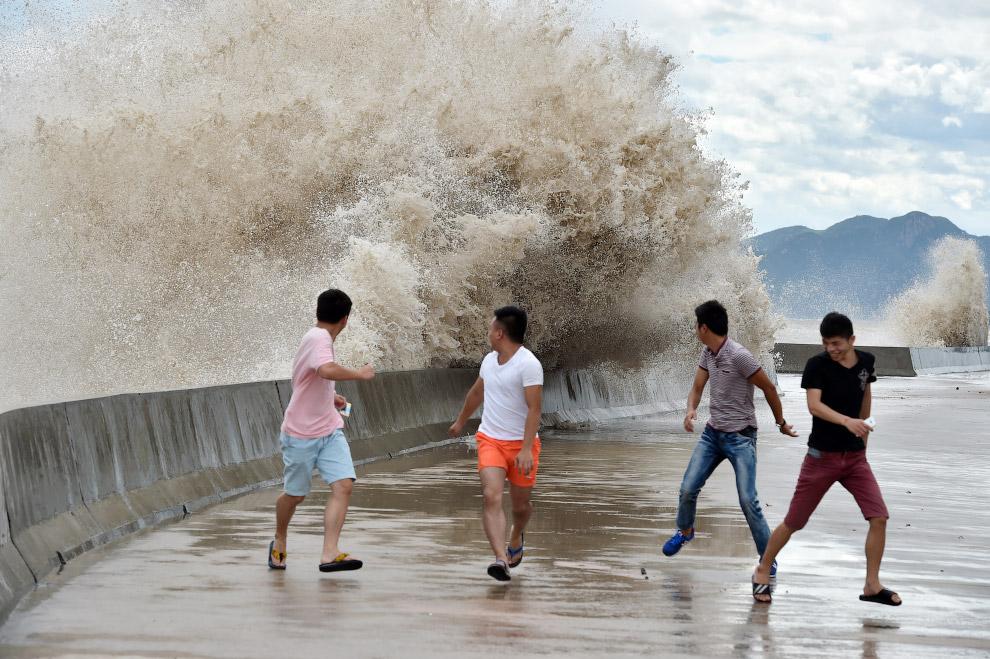 4. Национальный метеорологический центр Китая объявил, что тайфун Чан-хом может стать мощнейшим