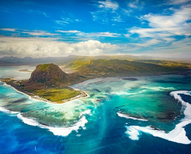 © depositphotos/GoodOlga  Увидеть это внушительное зрелище можно наберегах полуострова Ле-Мор