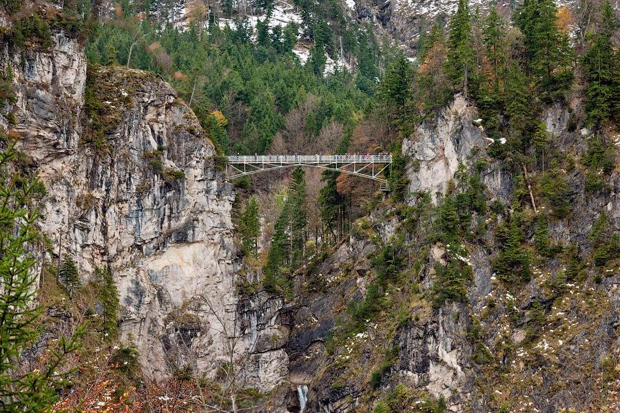 MarienbrueckeMarienbrucke находится в Германии. Мост красив, однако очень опасен. Расположен нед