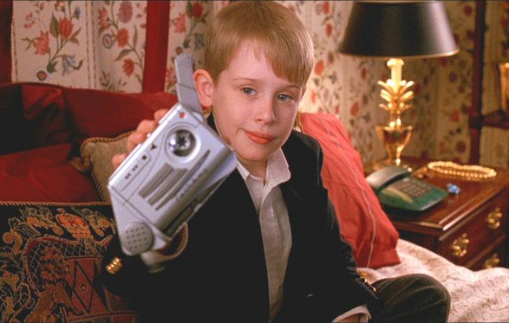 Посмотрев фильм «Один дома», мы все мечтали о кассетном диктофоне.