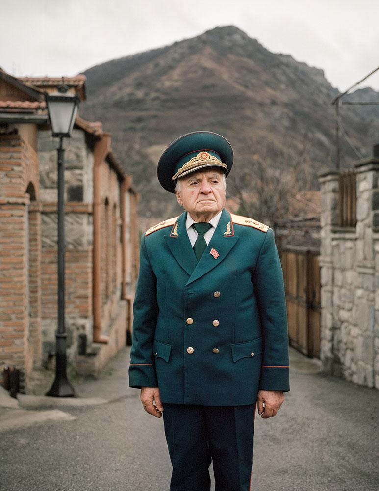 В советское время Нугзар был офицером — со своим домом, хорошей машиной и высокой зарплатой. После к