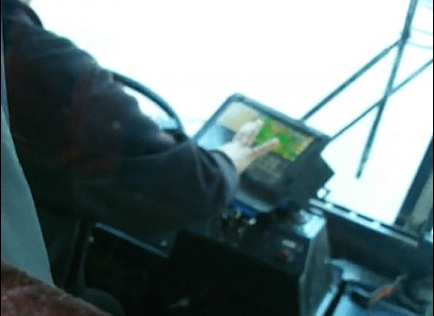 ВКирове водителя троллейбуса накажут заигру напланшете