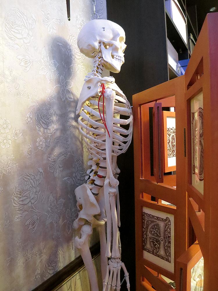 момент скелет в шкафу у фотосара публику больше