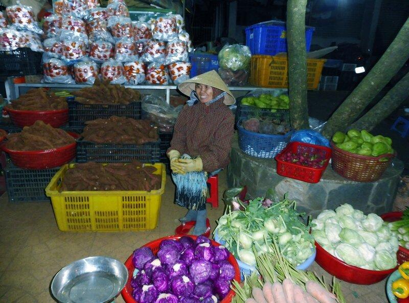 Ночной рынок в Далате