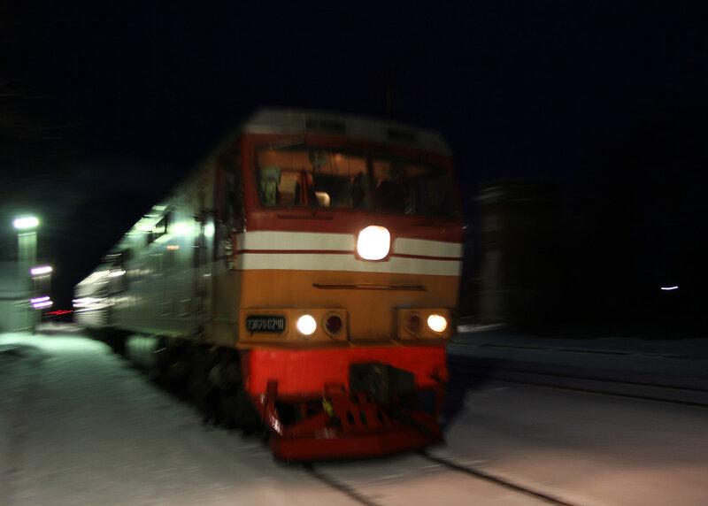 Поезд 6448 Ржев-Балтийский — Торжок под тепловозом ТЭП70-0240 на станции Высокое