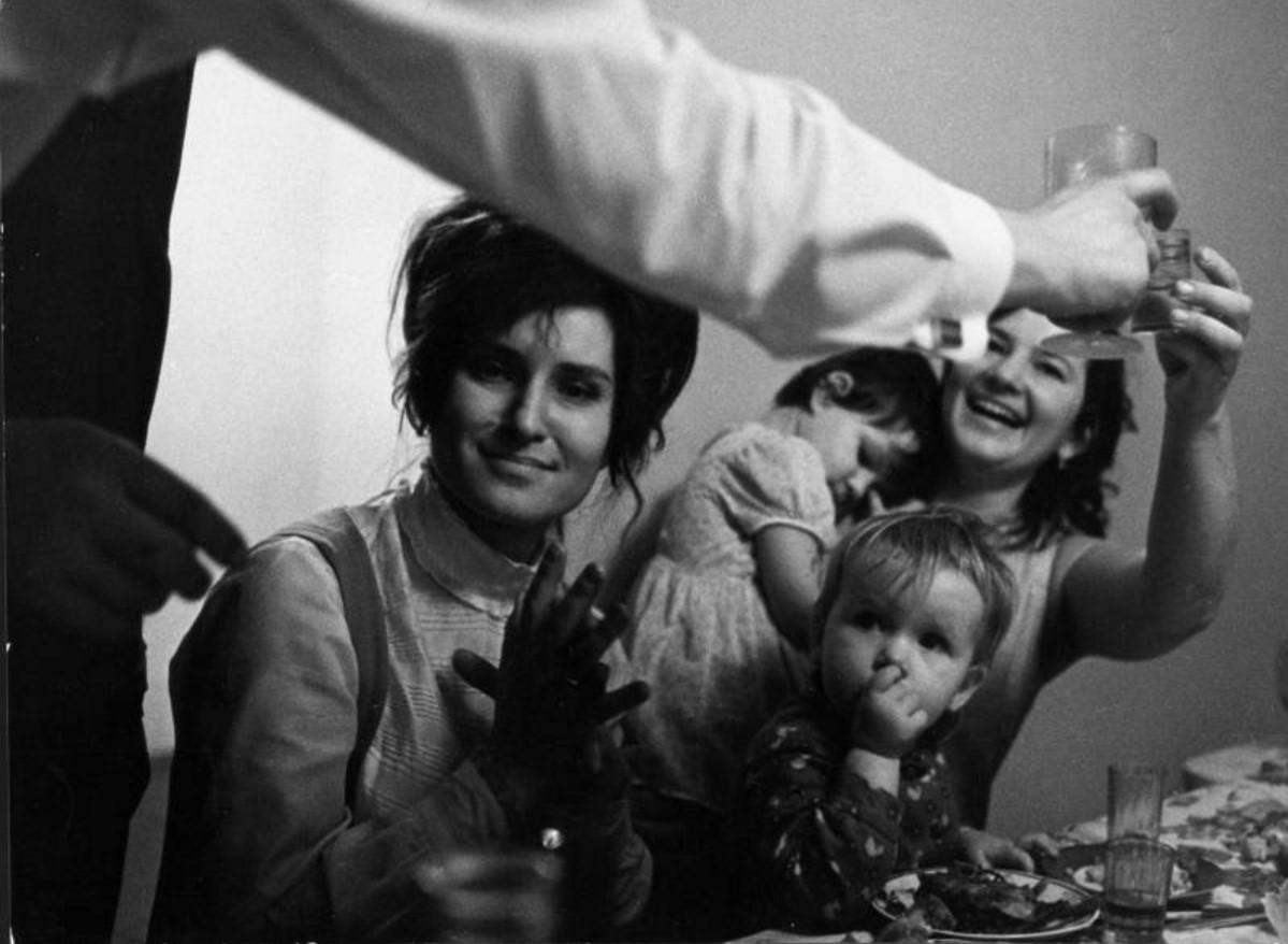 1970. Застолье