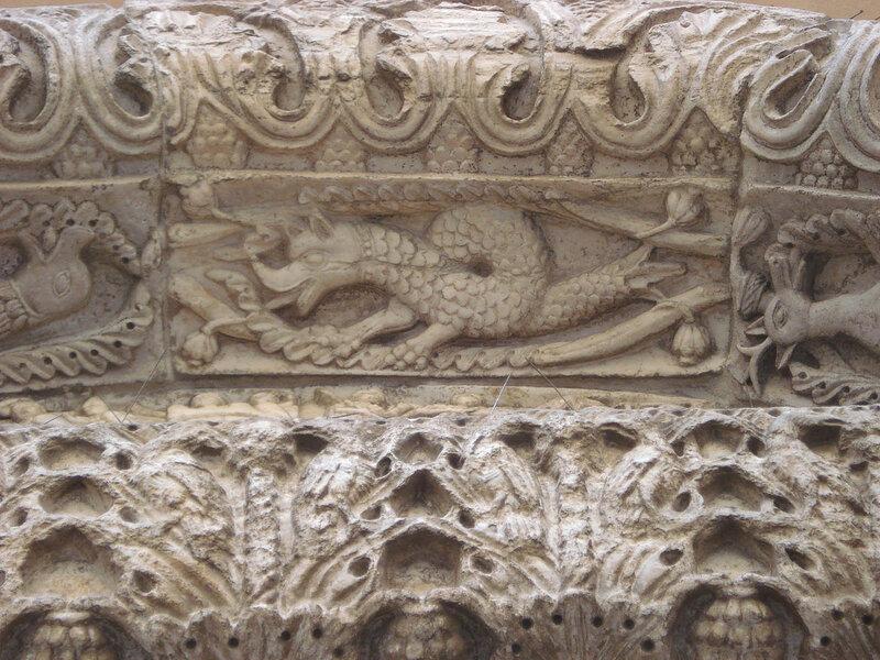 038-портал львов (архитрав, вид изнутри).jpg
