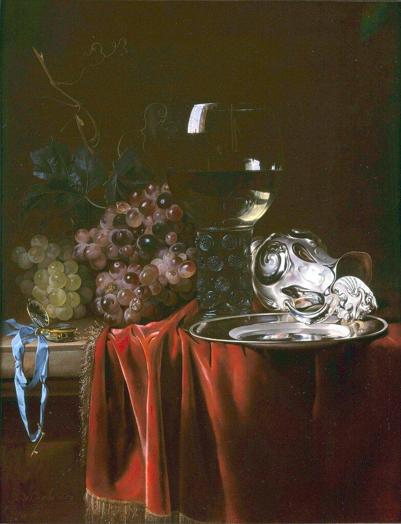Натюрморт с виноградом, часами, бокалом, серебрянным кувшином и тарелкой.jpg