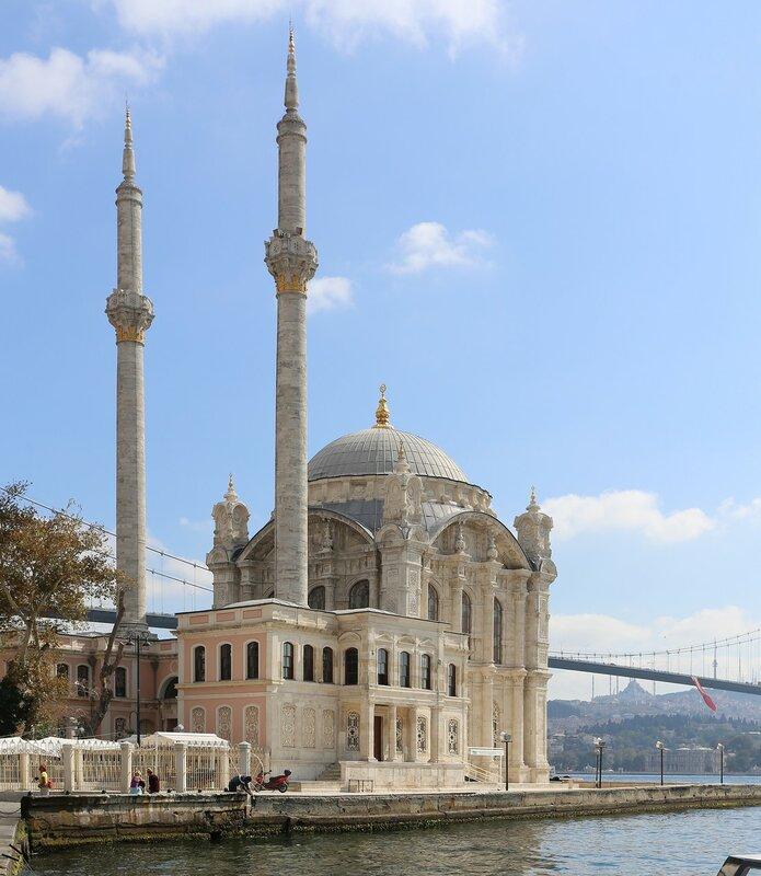 Стамбул, Ортакёй. Большая мечеть Меджидие (Büyük Mecidiye Camii, Ortaköy Camii)