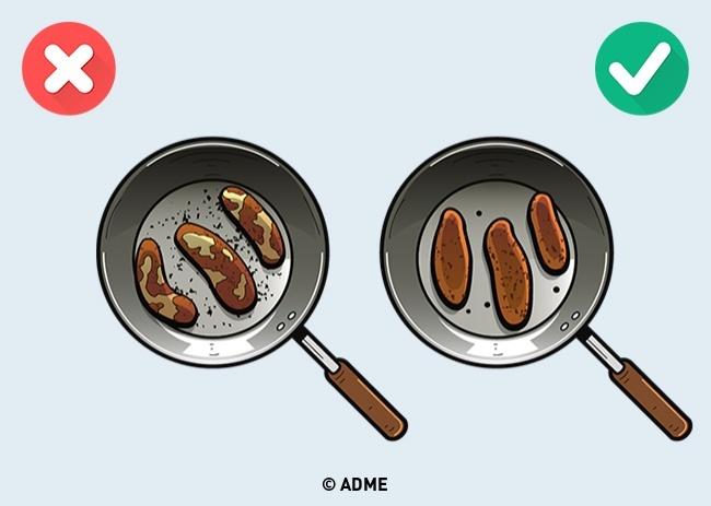 Непереворачивайте мясо слишком часто— так вылишитесь хрустящей корочки, амясо будет сухим, так к