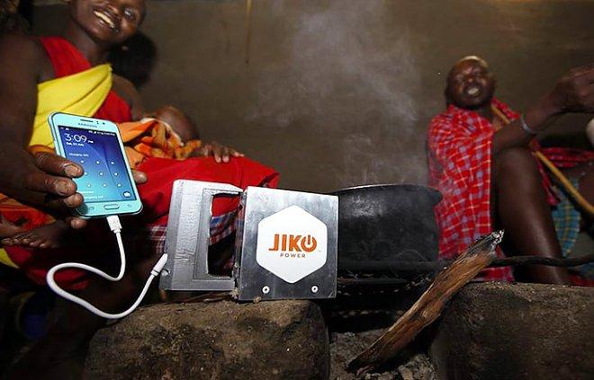 Устройство Spark подзарядит смартфон от очага в любой хижине (2 фото)