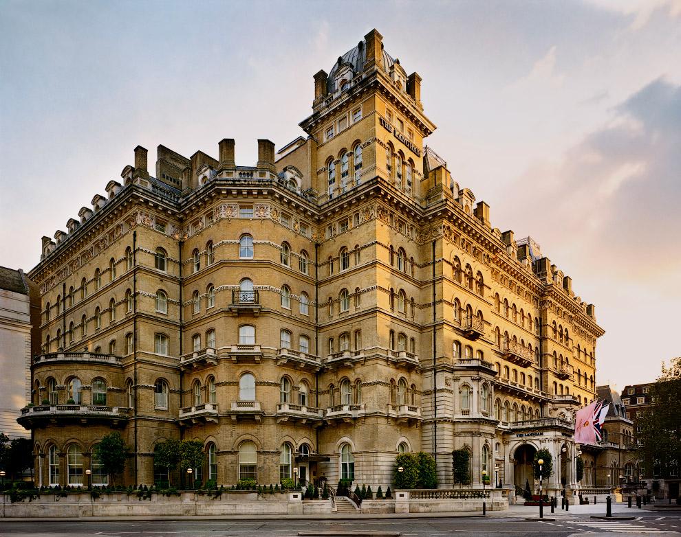 4. Кроме того, по рассказам, по отелю бродят призраки немецкого принца, выпрыгнувшего из окна ч