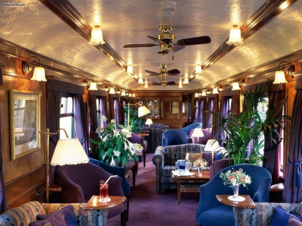 © travellermade.com  Самый уютный пассажирский поезд, который катится поШотландии. Один изва