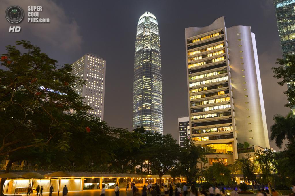 8. Международный финансовый центр, Гонконг. Высота: 412 м. Введение в эксплуатацию: 2003 год. (A