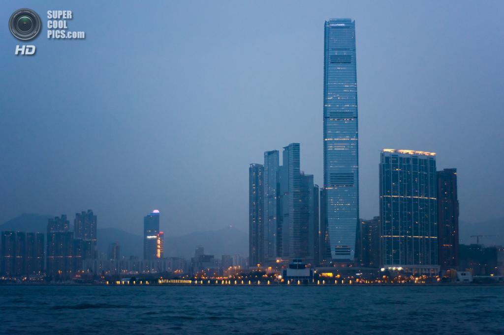 3. Международный коммерческий центр, Гонконг. Высота: 484 м. Введение в эксплуатацию: 2010 год.