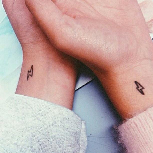 маленькие-татуировки-идеи-эскизы12.jpg