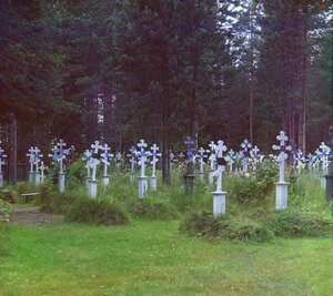 Кладбище при Успенском ските. Леушинский монастырь. 1909 год