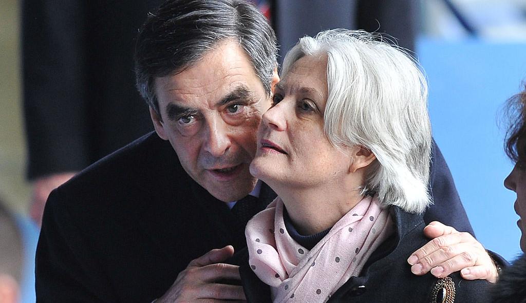 Французы требуют от супруги Фийона вернуть заработную плату завосемь лет