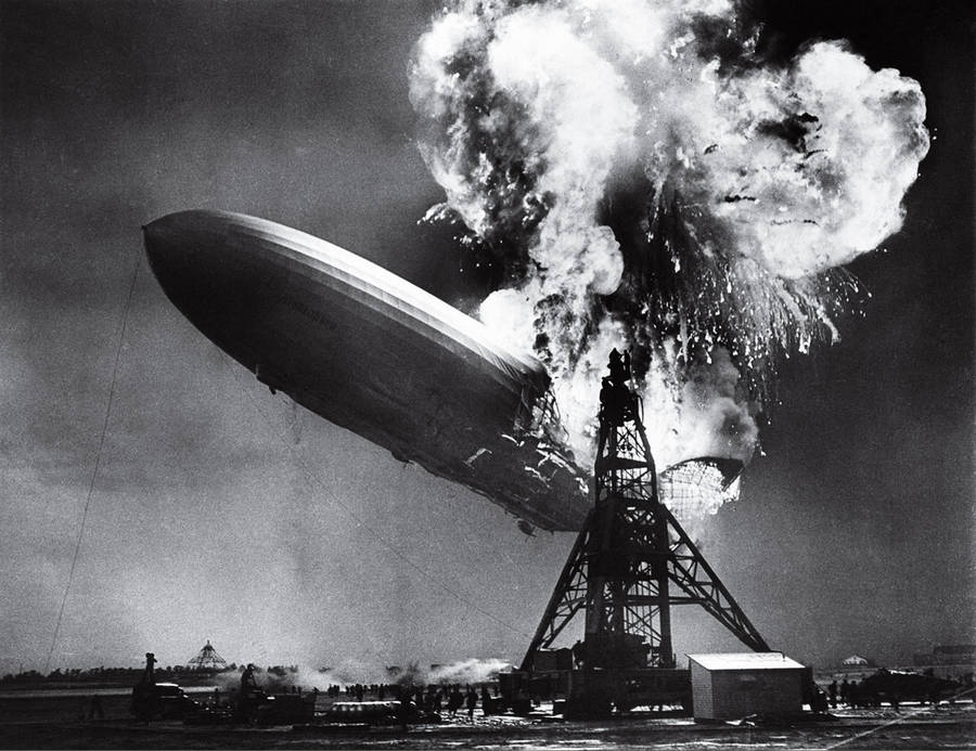 The Hindenburg Disaster / Sam Shere / 1937