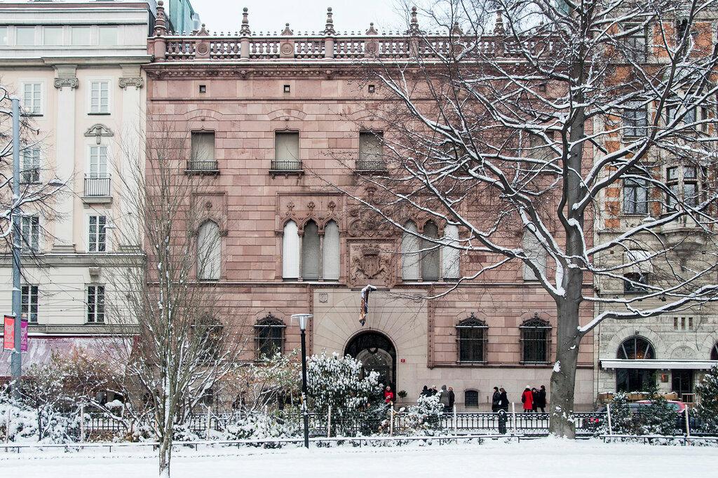 Hallwylska_palatset,_winter_2012_01.JPG