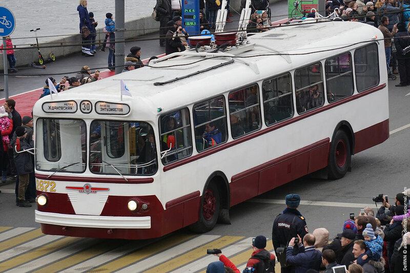 Парад-троллейбусов-08.jpg