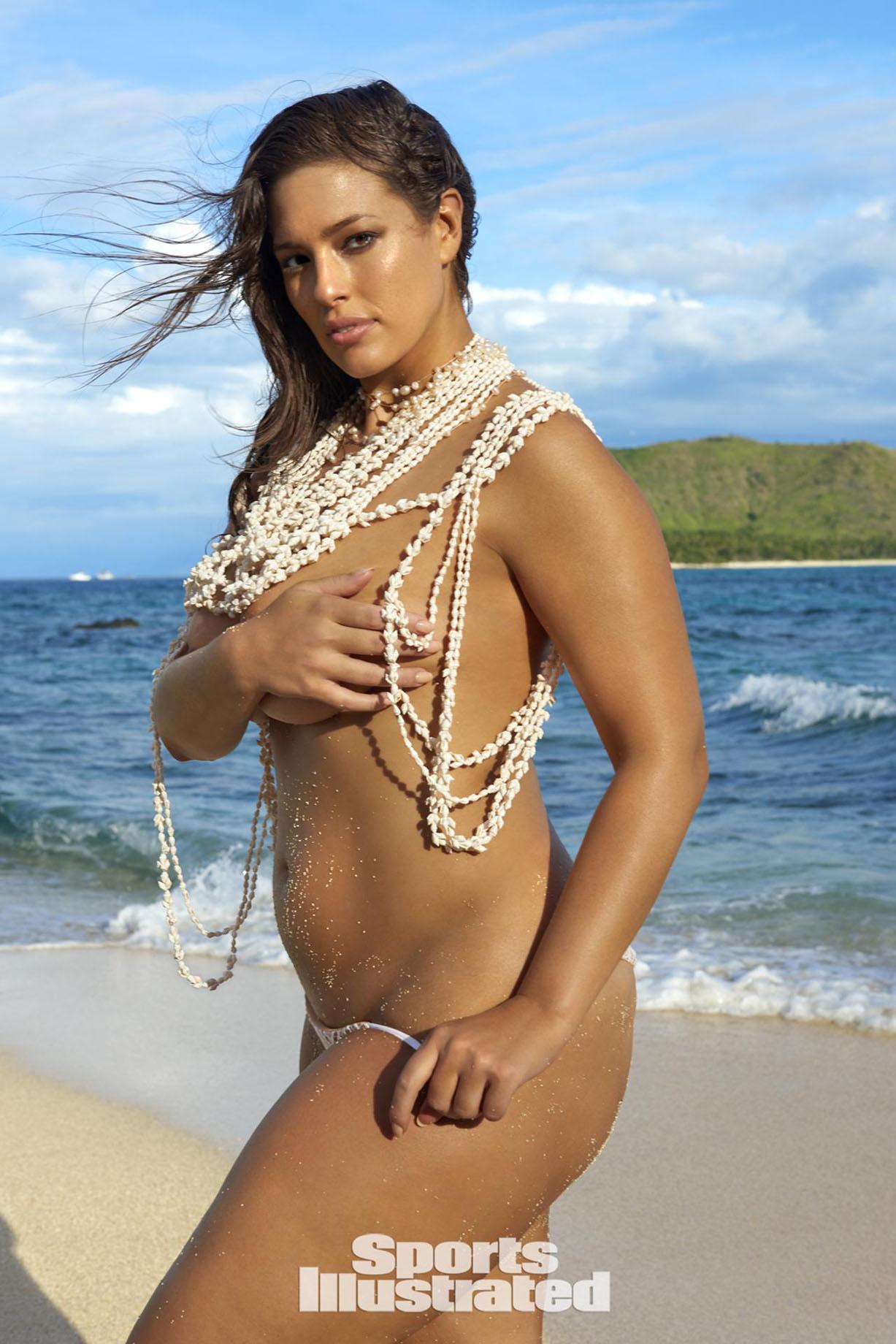 Ashley Graham / Эшли Грэм в купальниках из новой коллекции Sports Illustrated Swimsuit 2017 issue / in Fiji by Yu Tsai
