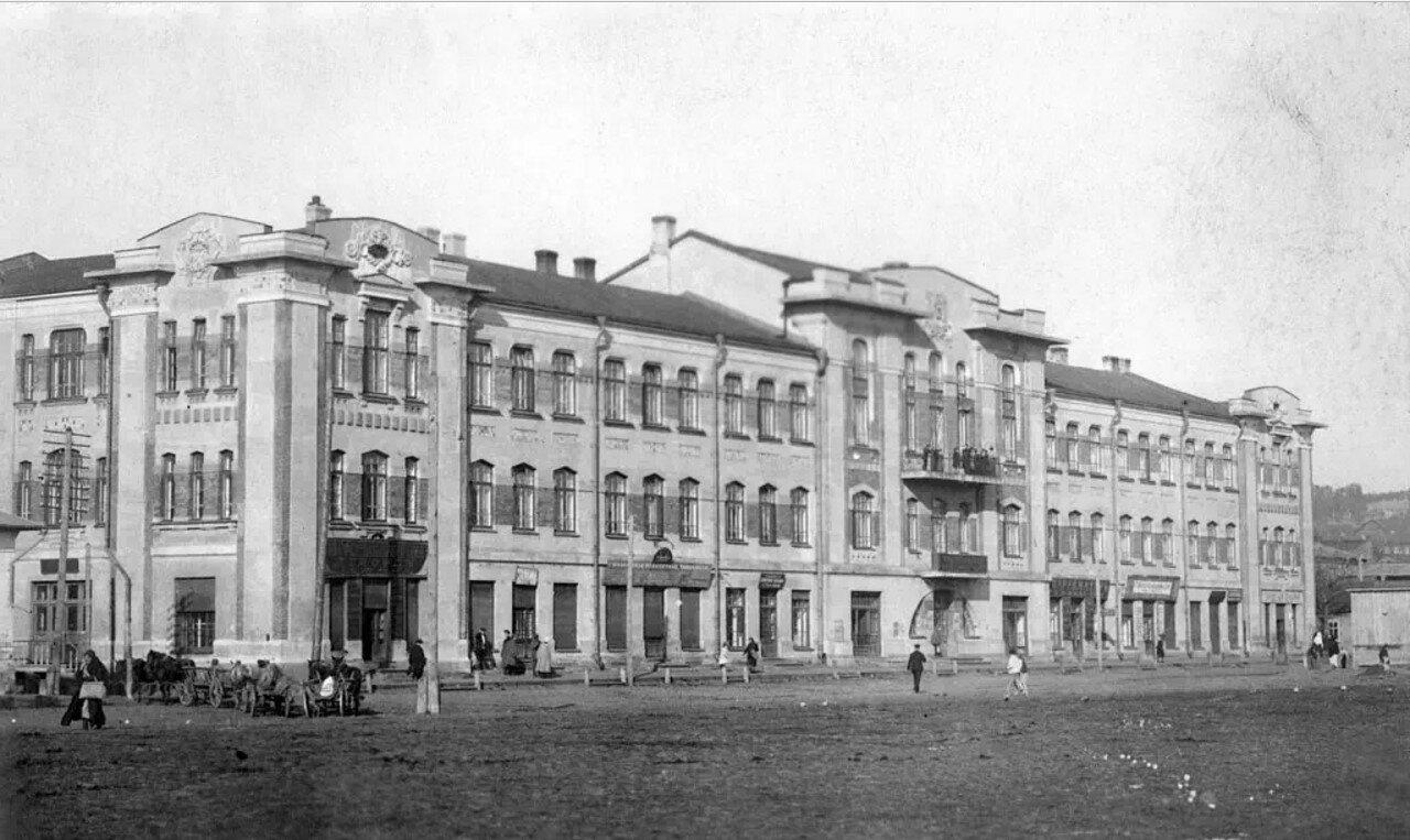 Здание Купеческого общества на Сенной площади