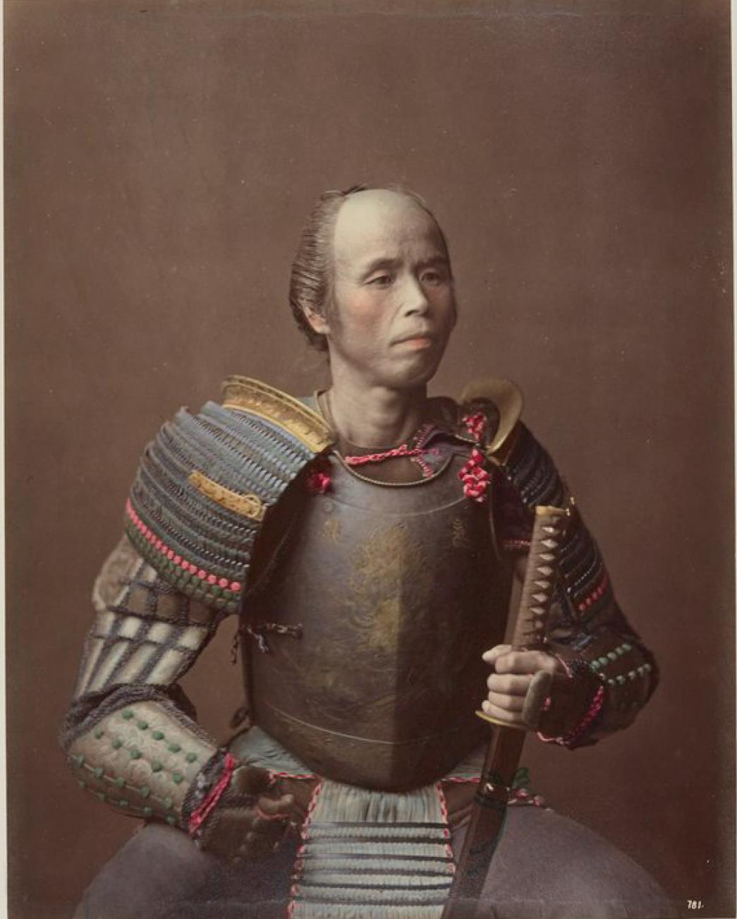 Самурай в традиционной броне
