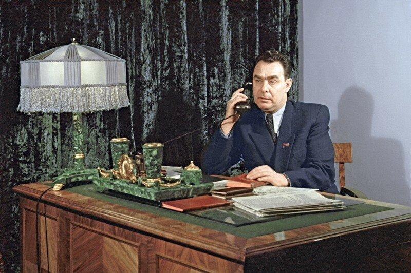 1954 Секретарь ЦК КП Казахстана Брежнев Л.И..jpg