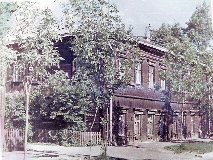 1970-74 Наш дом 15-16  по 2 ул. Марьиной Рощи. Богомолов А.К..jpg