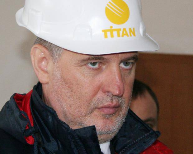 Перерегистрация бизнеса не помогла: Компания Фирташа оказалась под санкциями Украины