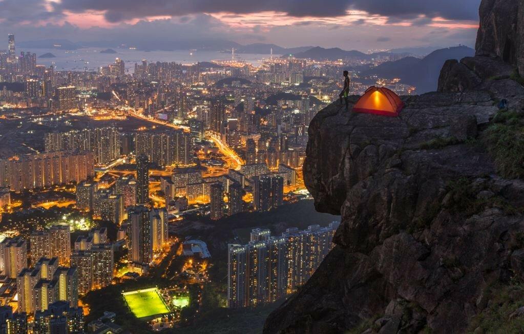 Где-то в Гонконге