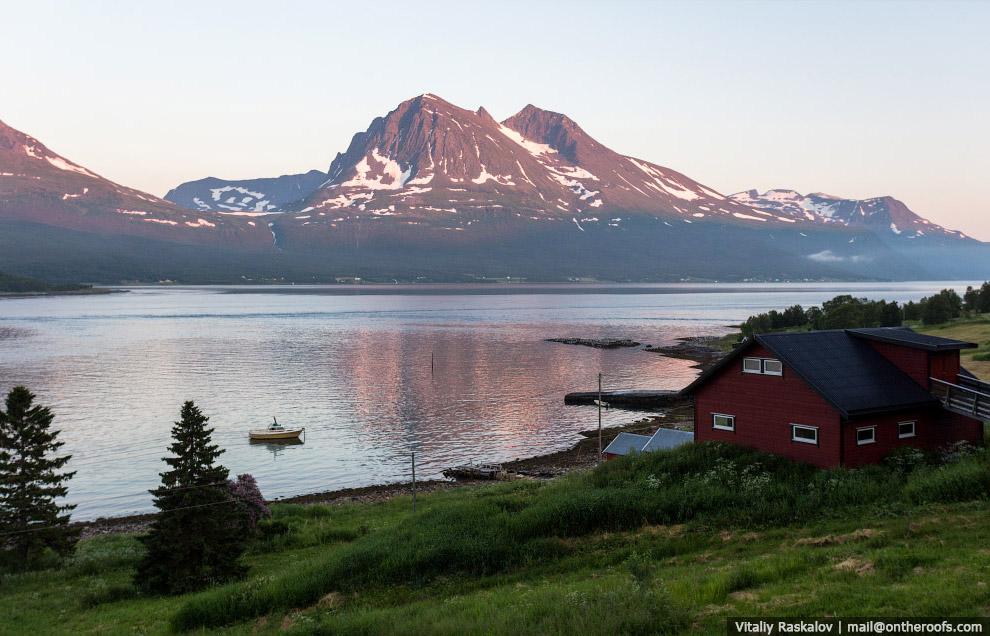 4. В Норвегии я был в середине июля, в этом время здесь полярный день. Эта фотография сделана в