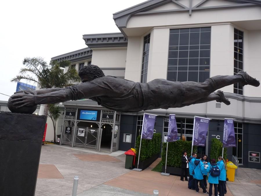 Футболист, Новая Зеландия.