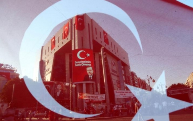 ВТурции схвачен редактор газеты Cumhuriyet
