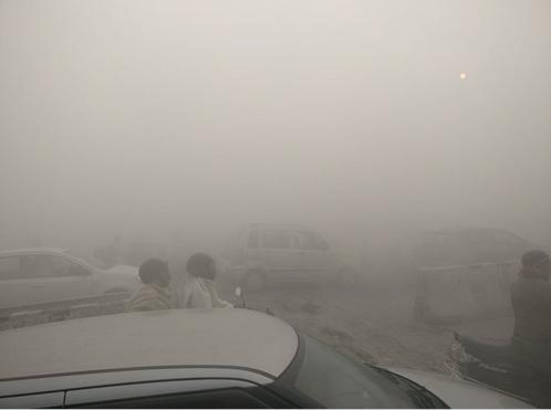 Уровень загрязнения воздуха виндийской столице Нью-Дели превысил норму в42 раза