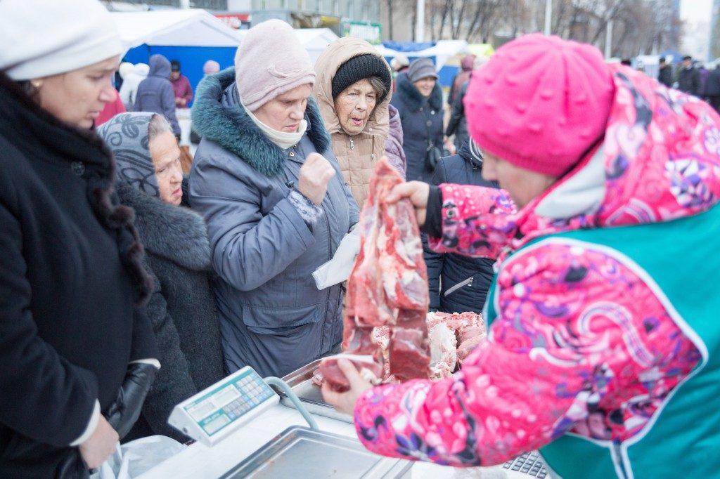 Тулеев потребовал навсе 100% обеспечить Кузбасс мясом