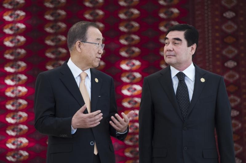 Президент Туркменистана иРустам Азимов провели переговоры