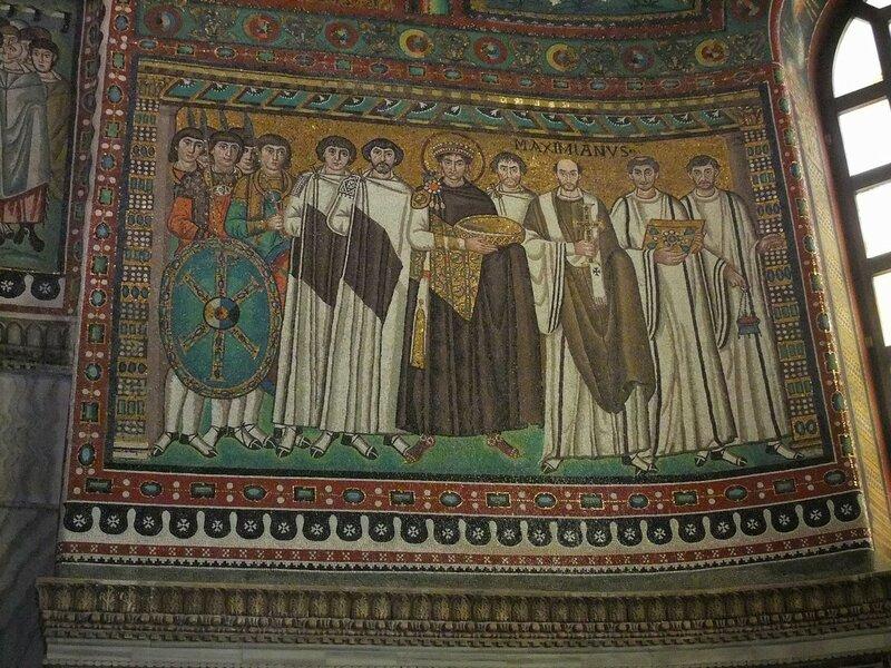 4 Emperor_Justinian_&_entourage_in_St_Vitale,_Ravenna.JPG