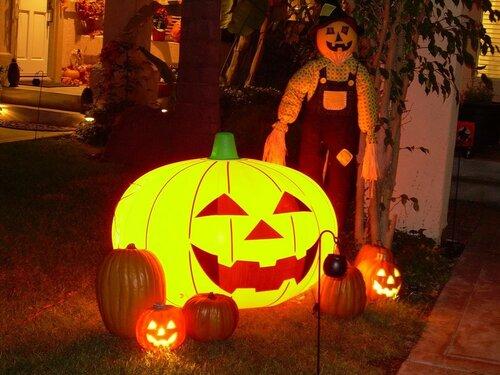halloween_garden-1024x768.jpg
