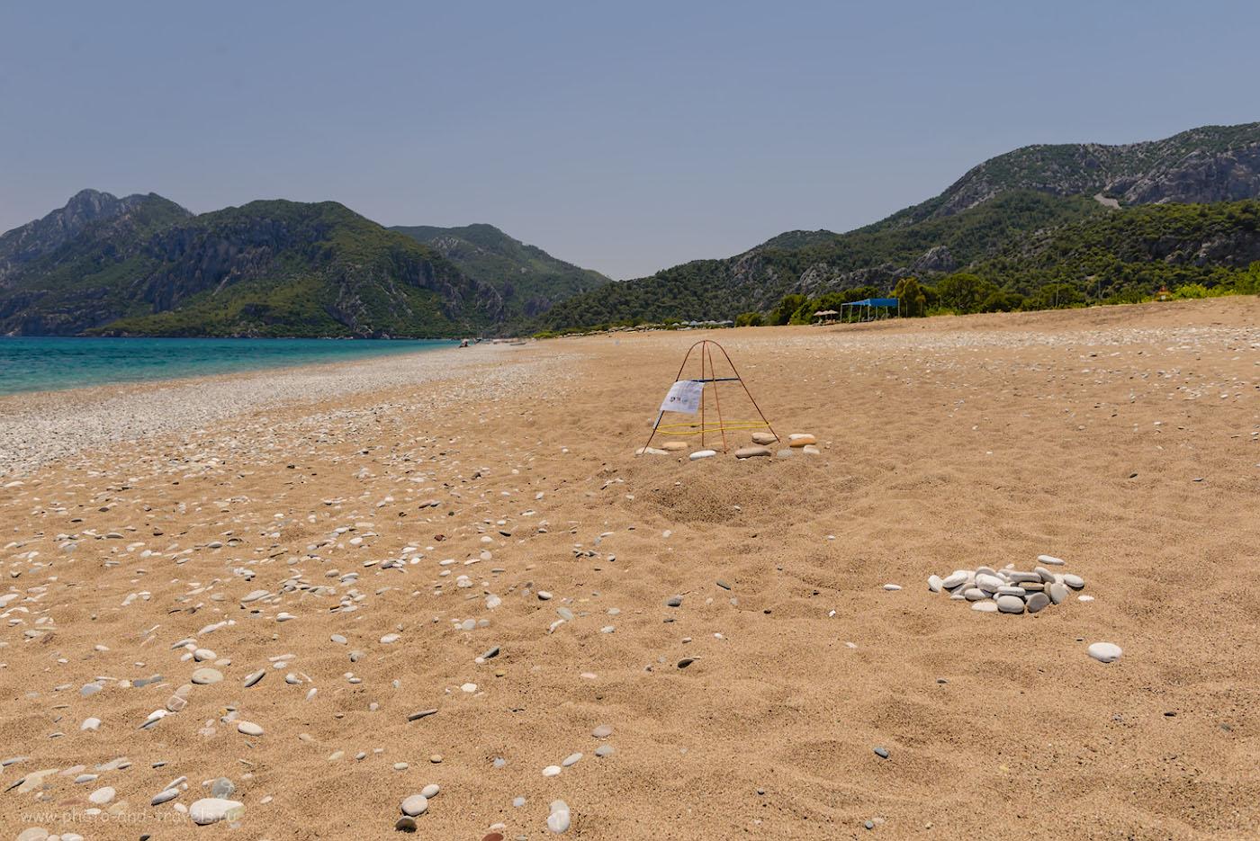 Фотография 26. Кладка яиц морской черепахи на пляже в Чиралы. Отзывы туристов об отдыхе в Кемере самостоятельно. При съемке снимков на пляже использовался поляризационный фильтр Hoya HD Circular-PL. Настройки: 1/200, 8.0, 100, 24.