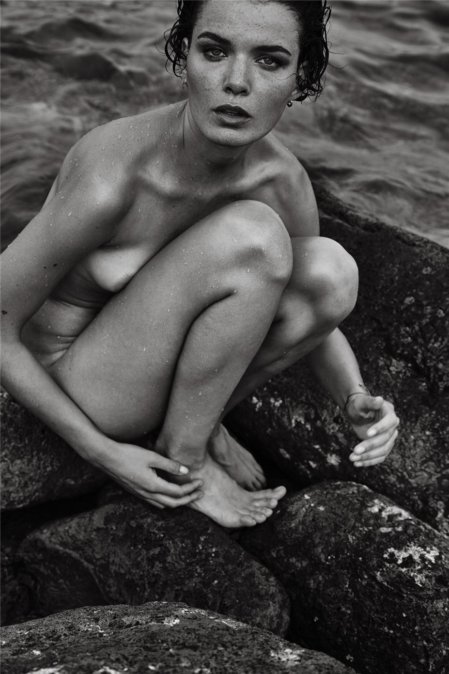 Обнаженные девушки на пляжах Ибицы / Ibiza Nudes by Diane Betties - Anne Verhallen