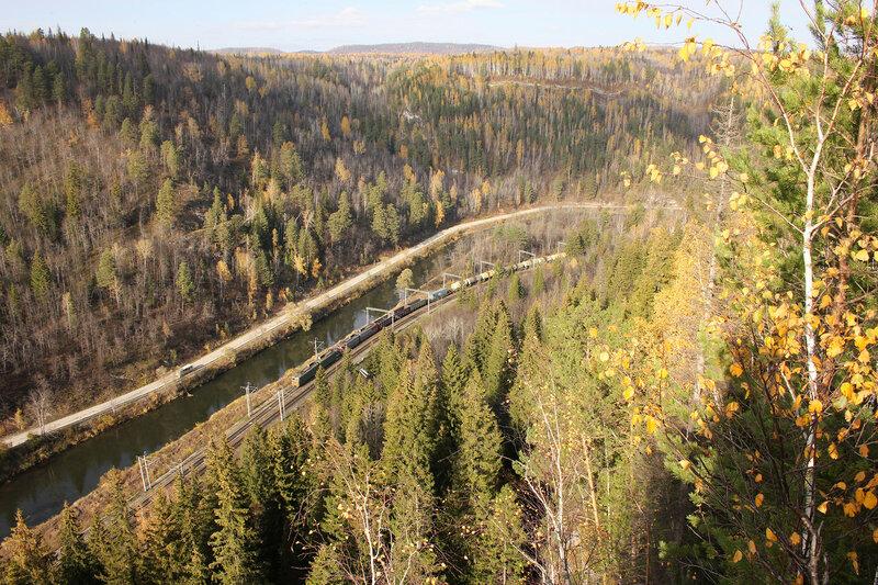 ВЛ10У с грузовым поездом на перегоне Симская - Биянка