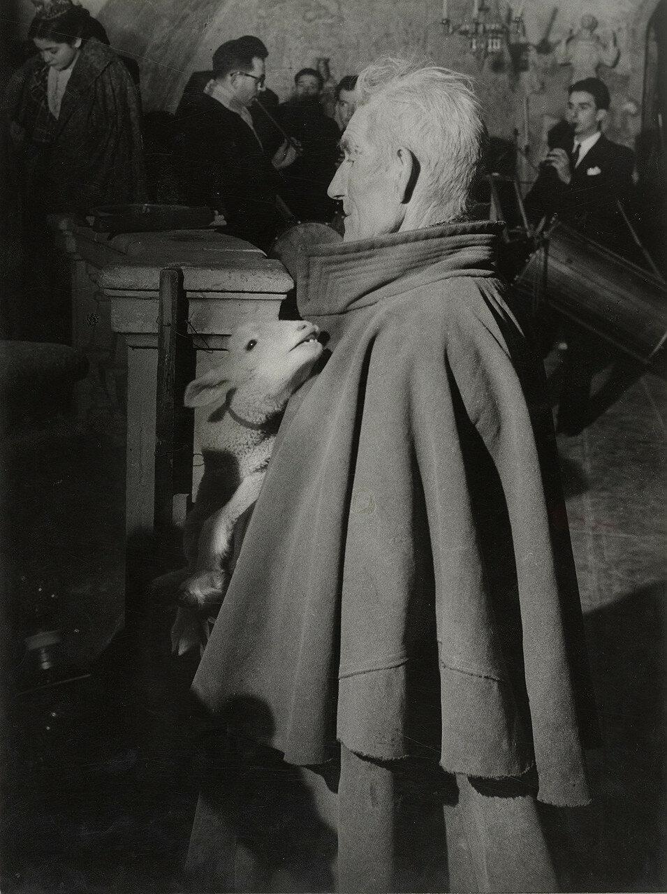 1950. Литургия в сочельник, Ле-Бо-де-Прованс