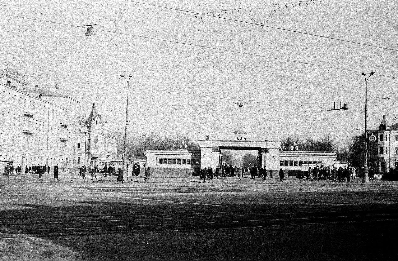 1973. Сокольническая площадь. Вид от будущей гостиницы «Сокольники»