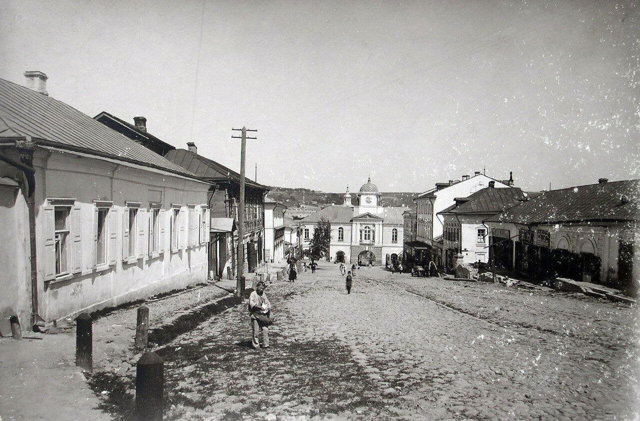 Улица Соборная Гора и Надвратная Одигитриевская церковь. 1901